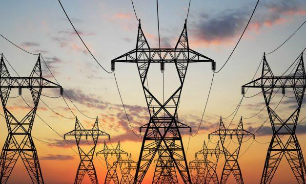 Yaz Döneminde Antalya'da Ticarethanelerin Elektrik Tüketimi Neredeyse Yarıya Yarıya Düştü