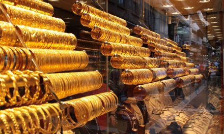 Kuyumcuda altın ve gümüş dışında ürün olmamalı