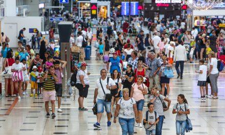 Antalya'ya ilk 6 ayda, 8 ülkeden sadece 1'er turist geldi