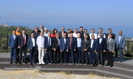 Batı Akdeniz'den Van Çıkarması
