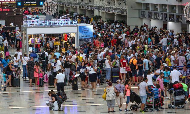 Antalya tarihinde bir ilk: 14 milyon turist