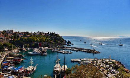 Antalya, Türkiye Büyümesine En Fazla Katkı Veren İlk 3 İl Arasında