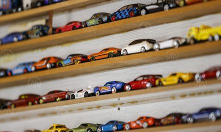 İlk harçlığıyla aldığı oyuncak yüzlerce parçalık koleksiyon sahibi yaptı