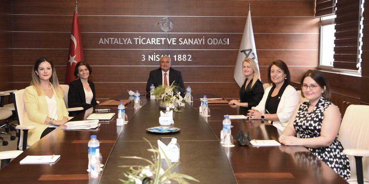 """BATI AKDENİZ BÖLGESİ'NDEKİ KOOPERATİFLER """"OKULLU"""" OLUYOR"""
